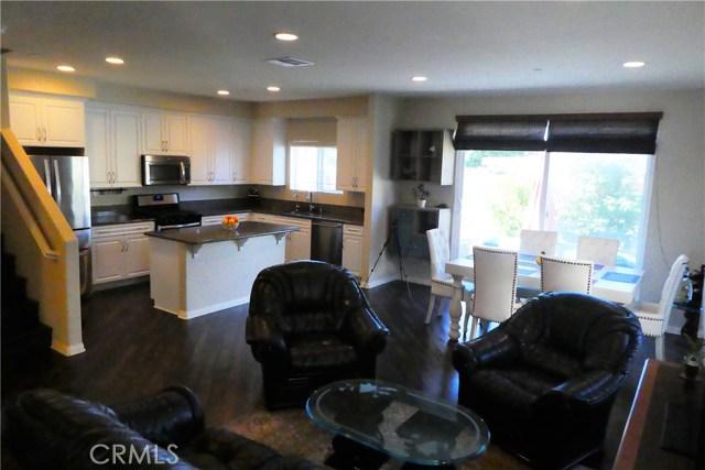 909 S Belterra Wy, Anaheim, CA 92804 Photo 3