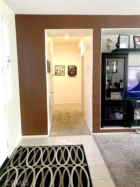 11977 Garret Lane, Victorville CA: http://media.crmls.org/medias/6943c831-bde4-4941-8765-ae495d1e0796.jpg