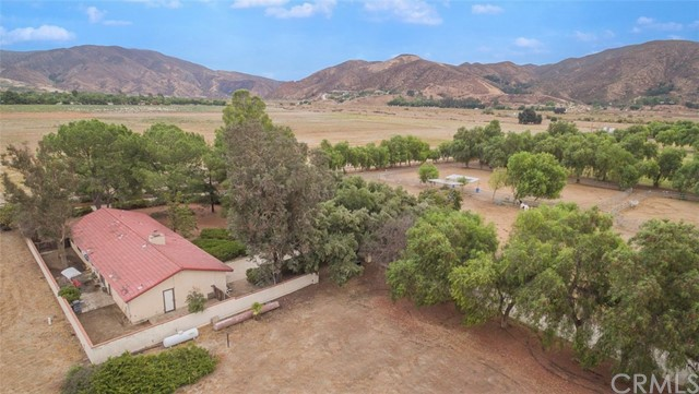 35675 DE PORTOLA ROAD, TEMECULA, CA 92592  Photo 4