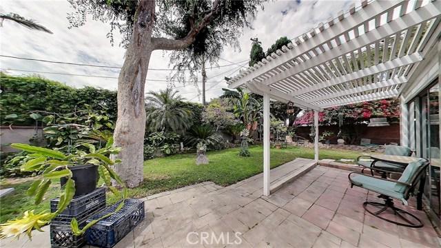 5207 Fidler Avenue, Lakewood CA: http://media.crmls.org/medias/696130b5-63de-4f67-b165-32156e01e8d1.jpg