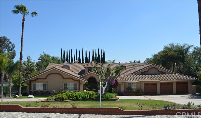 A gorgeous flowing estate in North claremont with excellent fung-shui. This single story home is North/South facing and located at the base of the Foothills. Featuring an oversized circular driveway, beautiful curb appeal, RV parking, a private gated entrance, and tall double door entry. There is a formal living room with vaulted ceilings and accented by a floor to ceiling fireplace. The East wing of the home offers the Master bedroom and en-suite, and 3 spacious bedroom with 2 additional bathrooms. The WA gorgeous flowing estate in North claremont with excellent fung-shui. This single story home is North/South facing and located at the base of the Foothills. Featuring an oversized circular driveway, beautiful curb appeal, RV parking, a private gated entrance, and tall double door entry. There is a formal living room with vaulted ceilings and accented by a floor to ceiling fireplace. The East wing of the home offers the Master bedroom and en-suite, and 3 spacious bedroom with 2 additional bathrooms. The West wing of the home has a guest room with attached bathroom that can be used as a nanny/granny suite. There is also a perfect reading library and a separate office space. The living room is open to the dining area and the gourmet style kitchen is expansive with an extra large center island, plenty of cabinets and countertop space, a walk in pantry, and a large breakfast area. The master bedroom and en suite features a large walk in closet with dual entrances, double-sided fireplace, dual sinks, an extended vanity & a steam sauna. Imagine entertaining friends or hosting a movie night in the fantastic game room equipped with wet bar and a fireplace. The backyard is a tropical oasis surrounded by majestic queen palms and carefully manicured fruit trees spread around the impressive pool, spa and Tennis Court.
