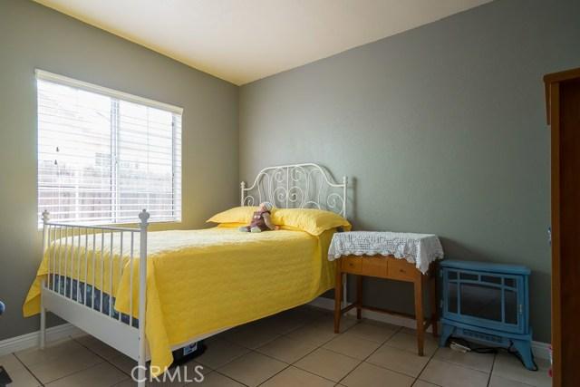 323 E Pomona Street, Santa Ana CA: http://media.crmls.org/medias/696e597e-2085-403f-a2cc-d708a744bdff.jpg
