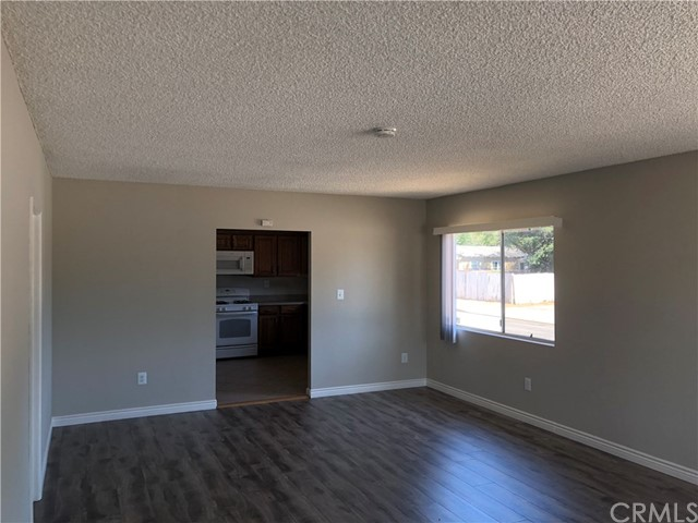 11027 Old River School Road, Downey CA: http://media.crmls.org/medias/6972c591-13a6-4dc8-8f30-bafacbaa19df.jpg