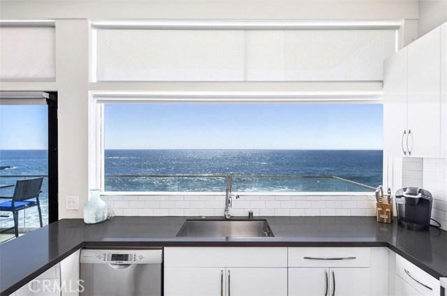 1241 Ocean Front, Laguna Beach CA: http://media.crmls.org/medias/697865ff-624c-4493-a9b1-a30f2796153e.jpg