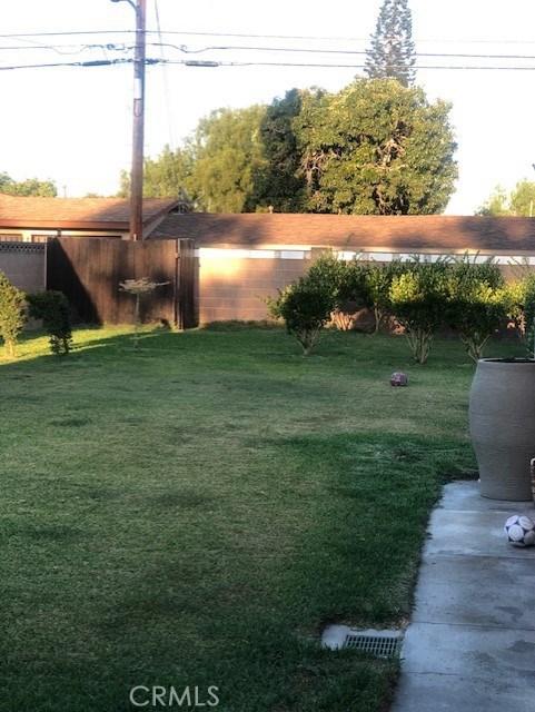 15518 California Avenue, Paramount CA: http://media.crmls.org/medias/697e3b49-644f-4482-8e4a-c2e488001da1.jpg