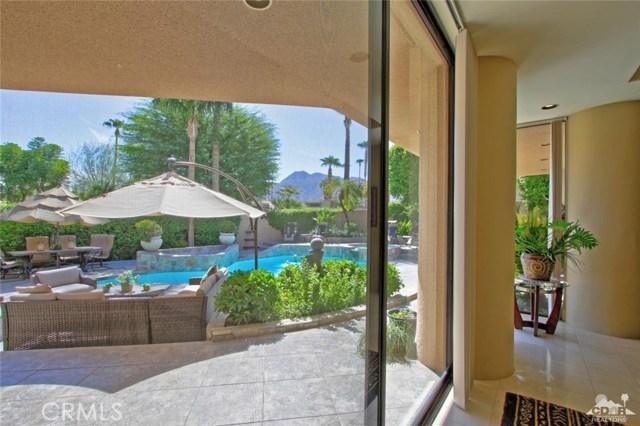 45575 Alta Colina Way, Indian Wells CA: http://media.crmls.org/medias/697eca33-7f63-4f6c-b28a-939b9b9cc42c.jpg