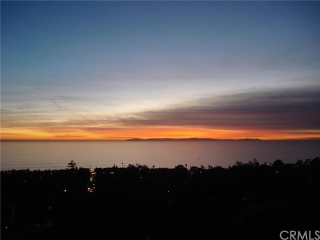 875 Coast View Drive Laguna Beach, CA 92651 - MLS #: LG17260345