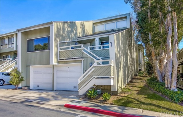 111 Columbia Street Newport Beach, CA 92663 is listed for sale as MLS Listing LG18057052
