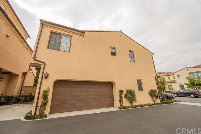115 Painted Trellis, Irvine, CA 92620 Photo 2