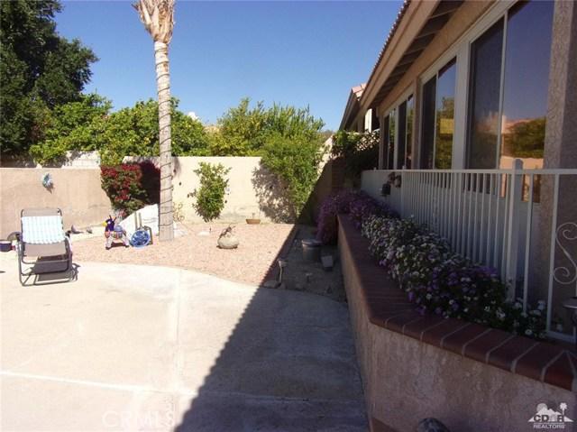 9351 Brookline Avenue, Desert Hot Springs CA: http://media.crmls.org/medias/69a47ba0-bf60-4f32-bd84-7a238505230a.jpg