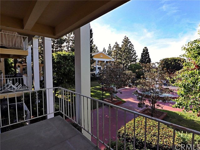 101 Scholz, Newport Beach CA: http://media.crmls.org/medias/69adfb2c-2dd6-4270-88ca-c76981c3fb9c.jpg