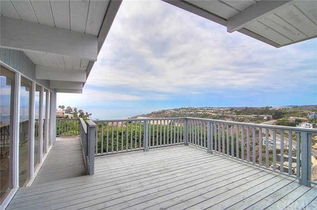 Single Family Home for Sale at 2328 Temple Hills St Laguna Beach, California 92651 United States