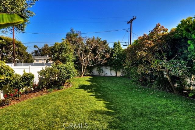 211 W Avenida Valencia, San Clemente CA: http://media.crmls.org/medias/69c5eb70-4f6b-4f30-9dd0-9438d71c4ad2.jpg