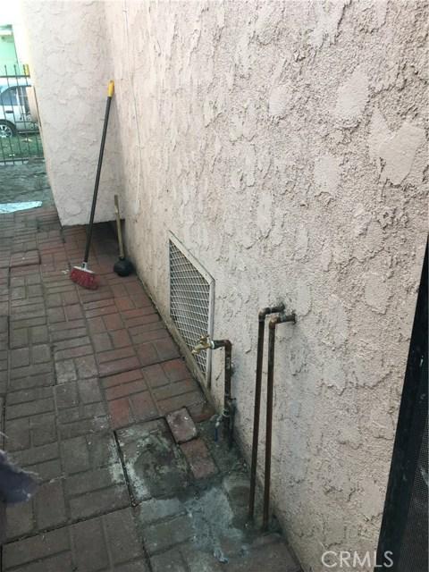5725 S Budlong Av, Los Angeles, CA 90037 Photo 11