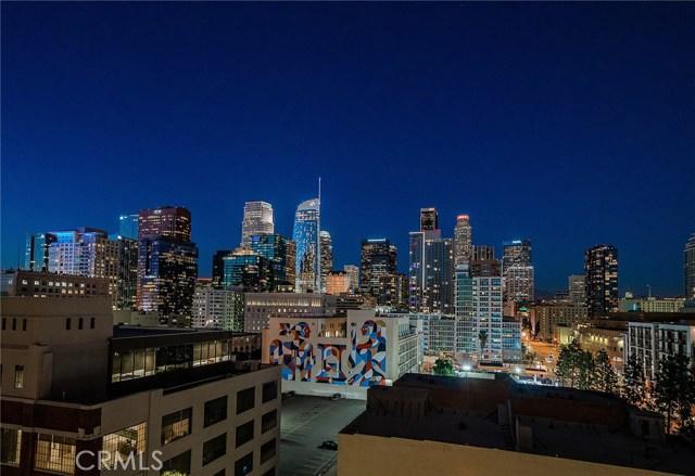 1111 S Grand Avenue, Los Angeles CA: http://media.crmls.org/medias/69d91776-c4da-4678-8f2f-4a08d89dc074.jpg