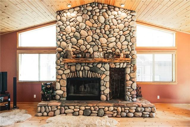 471 Woodside Drive, Big Bear CA: http://media.crmls.org/medias/69e68f60-0b59-4acc-b9b1-77d2fc01b19f.jpg