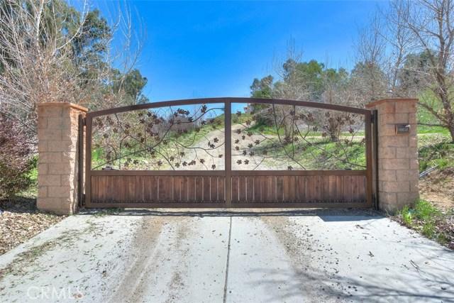 33385 Oak Glen Road, Yucaipa CA: http://media.crmls.org/medias/69e98939-6f86-4d69-a5d9-7486e74a0bcb.jpg