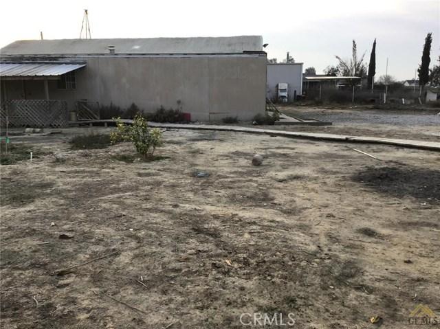 5129 Coronado W Street, Bakersfield CA: http://media.crmls.org/medias/69fe82b9-b1d0-4e98-bf0d-d76935497cf5.jpg