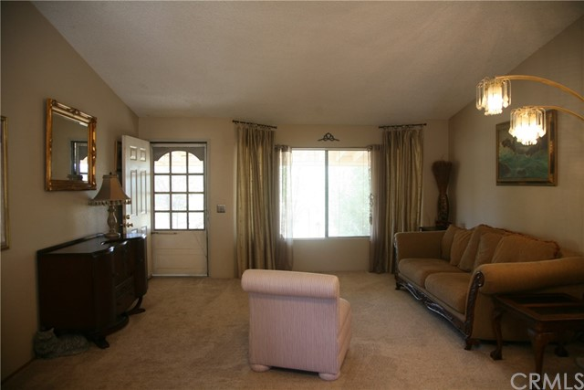 40725 Brook Trails Way, Aguanga CA: http://media.crmls.org/medias/6a085768-af09-4dd1-93cc-4916dad0cf3f.jpg