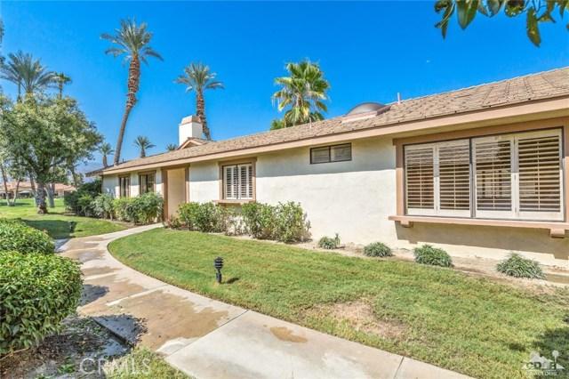 241 Castellana, Palm Desert CA: http://media.crmls.org/medias/6a1465fc-7871-4f30-838d-6b9eb0a7060d.jpg