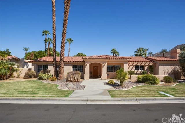 45800 Via Corona, Indian Wells CA: http://media.crmls.org/medias/6a1b6845-c2d7-438f-b9de-c325473fcd36.jpg