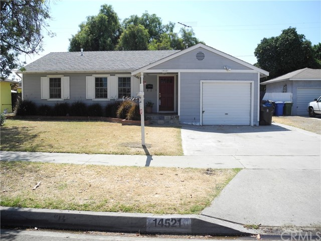 14521 Crossdale Avenue, Norwalk CA: http://media.crmls.org/medias/6a1d2f27-c57f-4f50-8de6-2de5536eb6ff.jpg