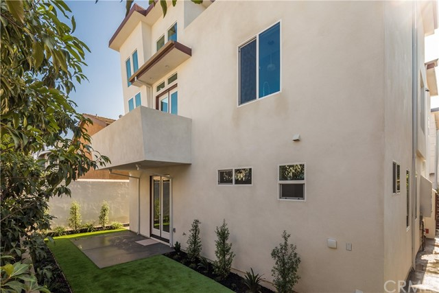 1729 HARRIMAN Lane Unit B Redondo Beach, CA 90278 - MLS #: SB18010148