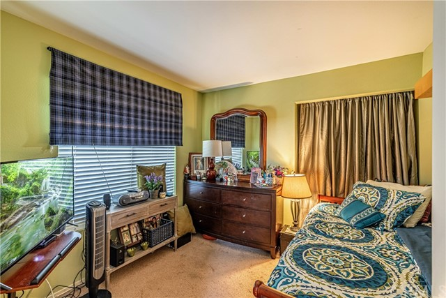1863 W Avenue H8, Lancaster CA: http://media.crmls.org/medias/6a3602db-e15f-4823-928d-a87c13c0a3b5.jpg