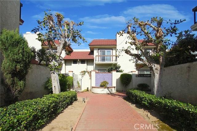 526 N Ynez Avenue, Monterey Park CA: http://media.crmls.org/medias/6a3e448a-f29f-4e8d-bd7f-72b3aed3e291.jpg