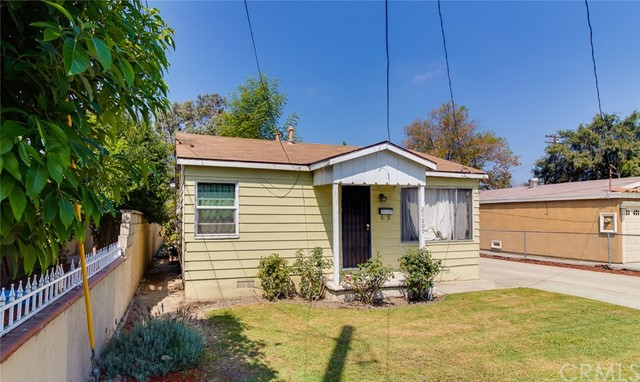 20609 Alburtis Avenue, Lakewood CA: http://media.crmls.org/medias/6a4453ea-a11f-41f1-98b4-7f5940af8fa8.jpg