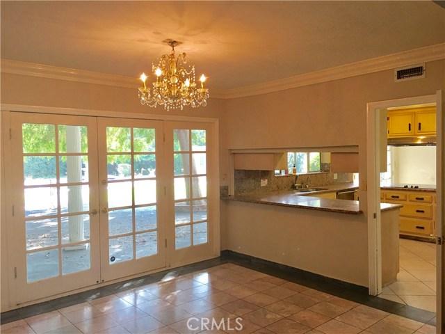 3670 Lombardy Road, Pasadena CA: http://media.crmls.org/medias/6a49272e-31b3-4de9-8c76-a570b6b84a30.jpg