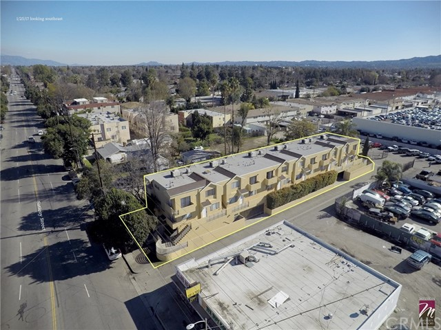 Single Family for Sale at 18430 Saticoy Street Reseda, California 91335 United States