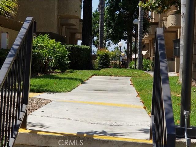 2020 S Bon View Avenue, Ontario CA: http://media.crmls.org/medias/6a56958d-3280-49b3-b402-62e4f4ec1ec2.jpg