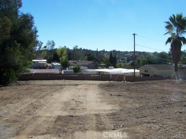 31812 Hutto Lane, Yucaipa CA: http://media.crmls.org/medias/6a67340d-9692-4771-a383-5032bd40ef09.jpg