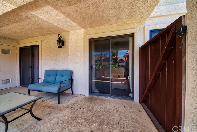 8319 Vineyard Avenue, Rancho Cucamonga CA: http://media.crmls.org/medias/6a6c5186-e523-4d5c-98d7-77c8a3266dff.jpg