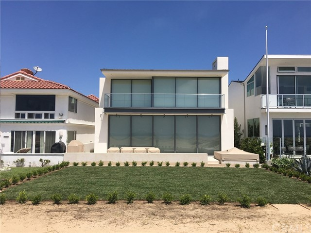 Single Family Home for Rent at 2108 Oceanfront E Newport Beach, California 92661 United States