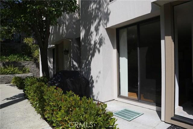 3621 W Hidden Lane, Rolling Hills Estates CA: http://media.crmls.org/medias/6a7bca14-c8db-4c48-9ac4-0cdec8ab102d.jpg