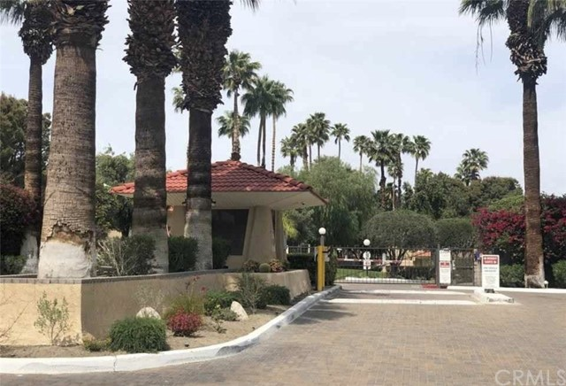 2809 N Los Felices E Circle, Palm Springs CA: http://media.crmls.org/medias/6a7e090e-88cf-4915-952a-836ace4688a6.jpg
