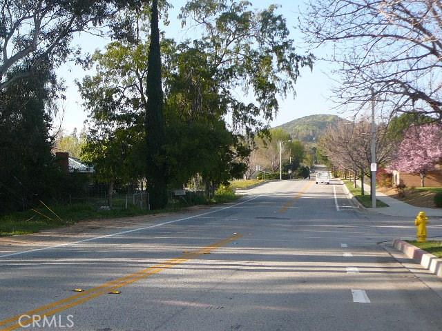 13000 Holmes Street, Yucaipa CA: http://media.crmls.org/medias/6a8e2012-9b2b-4b09-a6c8-cb6b6f23d087.jpg