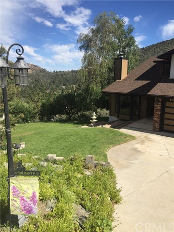 Single Family Home for Sale at 5549 Easter Drive Wrightwood, California 92397 United States