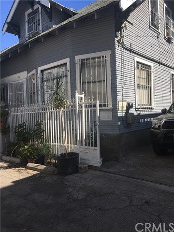 Additional photo for property listing at 416 N Virginia Court  Long Beach, California 90802 Estados Unidos