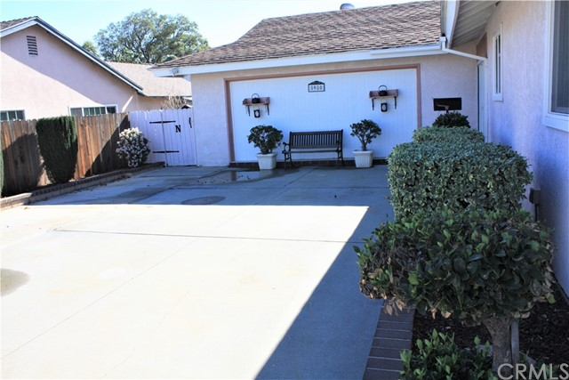 5980 Kitty Hawk Drive, Riverside CA: http://media.crmls.org/medias/6aaba9ab-8540-4d18-bad4-53b880d8cccd.jpg