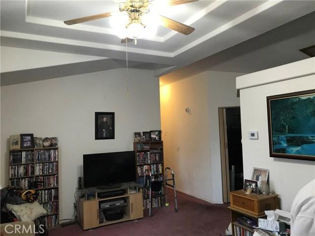 395 Stoneridge Pkwy, Oroville CA: http://media.crmls.org/medias/6ac853ce-21af-4754-88a6-b58315aae767.jpg