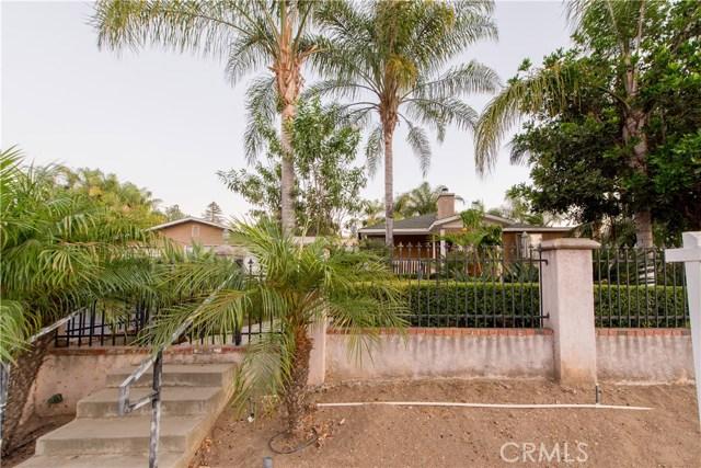 1625 Gum Tree Lane, Fallbrook CA: http://media.crmls.org/medias/6ad5e87c-bf14-4187-b7cd-7d31b9eb0dd3.jpg