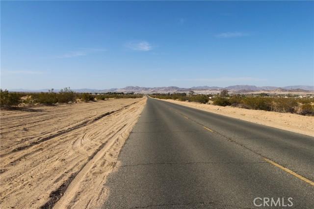 19 Mesquite Springs Road, 29 Palms CA: http://media.crmls.org/medias/6ae09118-ee7c-475d-b0be-93b07f9ff77b.jpg