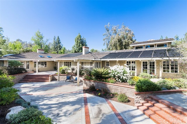10981 Lake Court Road North Tustin, CA 92705 is listed for sale as MLS Listing PW17086264