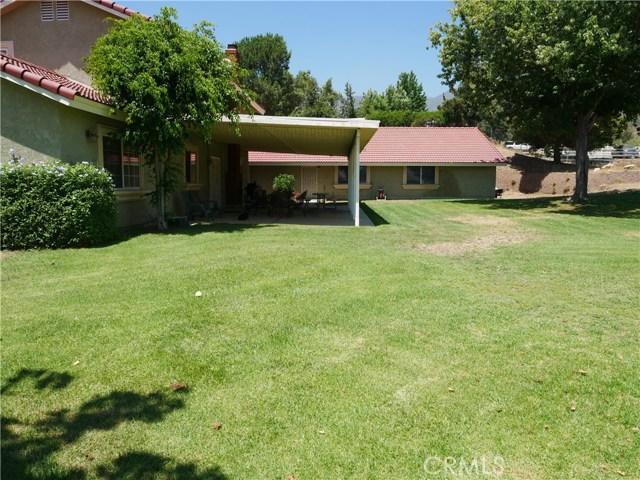 3738 W Meyers Road, San Bernardino CA: http://media.crmls.org/medias/6b08b980-6dc3-4186-9b08-0ba1fe8194c0.jpg