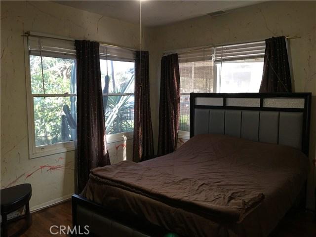 1739 Mathews Street, Riverside CA: http://media.crmls.org/medias/6b103567-9f17-4268-8aca-ca110a25f61a.jpg