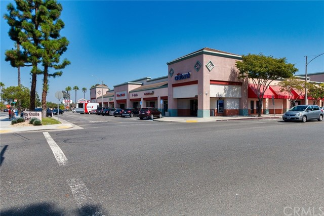 4515 California Avenue, Long Beach CA: http://media.crmls.org/medias/6b187cc7-1a22-4984-92c9-3cf463a1e20d.jpg