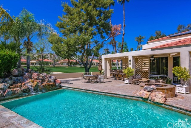 Photo of home for sale at 75265 Saint Andrews Court, Indian Wells CA